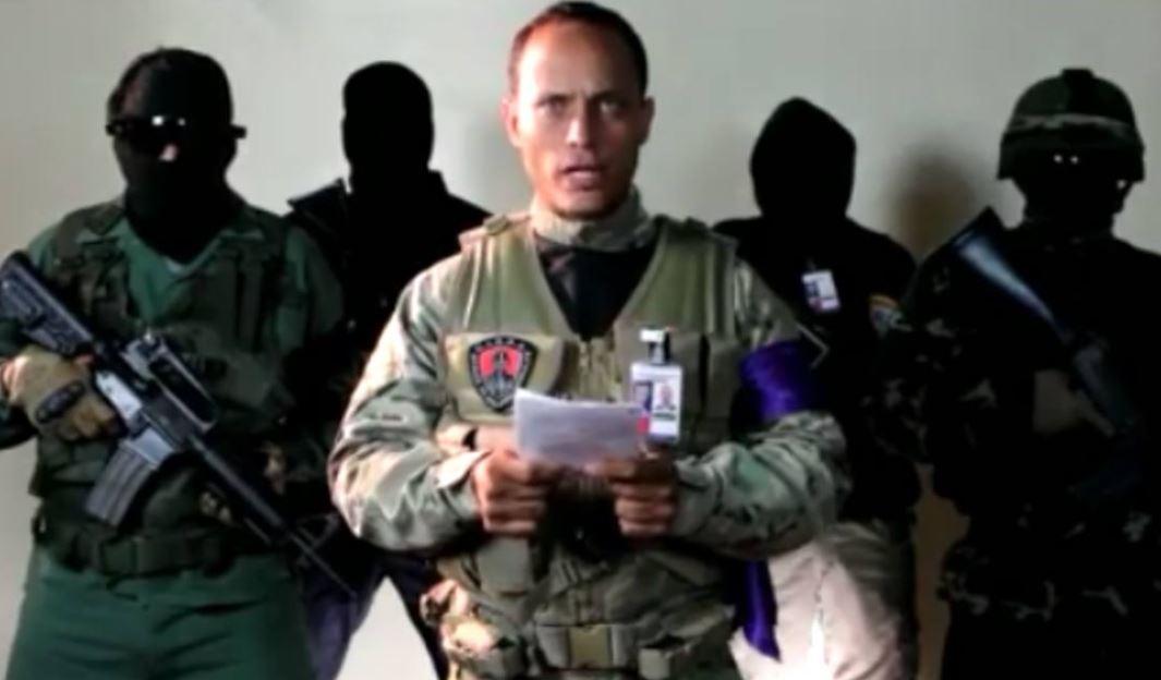 Policía venezolano sobrevuela el Tribunal Supremo, dispara y pide la renuncia de Maduro