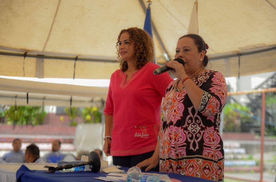 Daysi Torres y Reyna Rueda esquivan preguntas sobre candidaturas a municipales