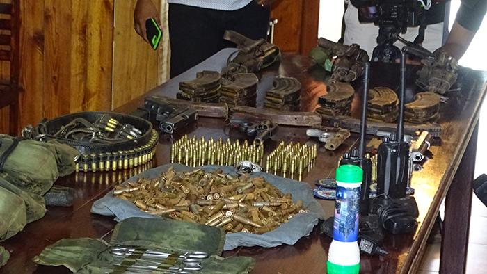 El Ejército de Nicaragua presentó los pertrechos militares ocupados en una operación en conjunto con la Policía Nacional en Siuna. LA PRENSA/J. GARTH