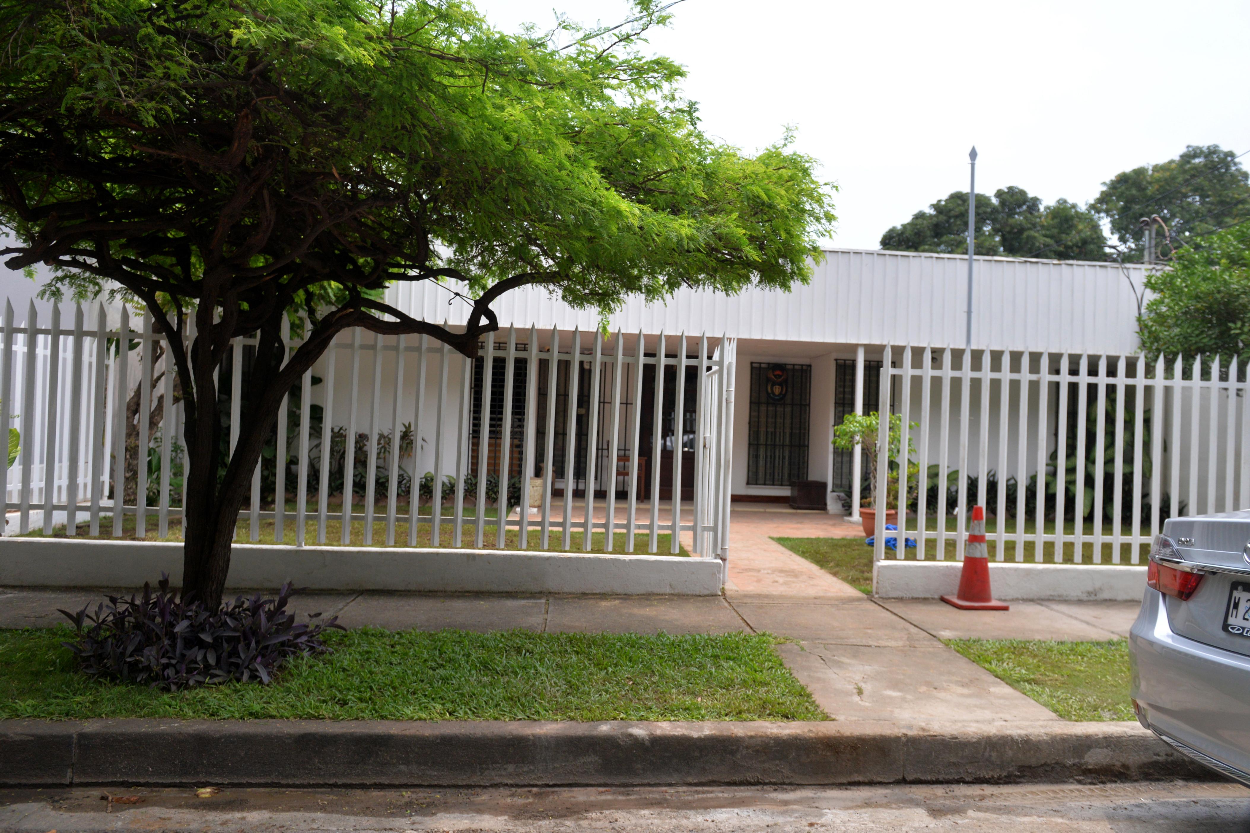 Las oficinas del Centro Corporativo Santo Domingo están ubicadas en Lomas de Guadalupe, en el centro de Managua. Ahí están las oficinas del abogado Otto López Okrassa, uno de los socios. LA PRENSA/JADER FLORES