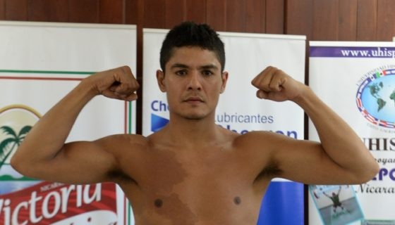 José Alfaro marcó 149.5 libras ayer en la ceremonia de pesaje en Managua. Foto: LA PRENSA/ ROBERTO FONSECA
