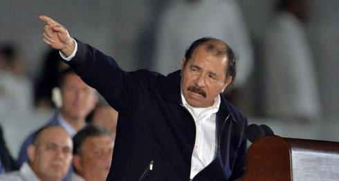 Desde que Daniel Ortega asumió la presidencia de Nicaragua por segunda vez, en 2007, las destituciones y despidos de funcionarios ha ido in crescendo. En algunas ocasiones los empleados se van hasta por subir fotos a Facebook. LA PRENSA / Archivo