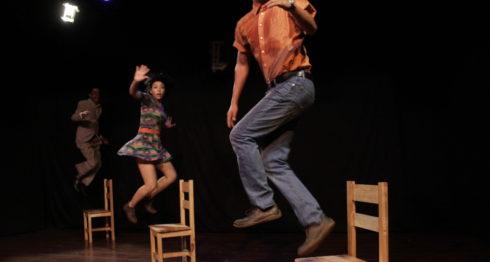 Escena de la comedia Choques amorosos, del dramaturgo mexicano Ángel Norzagaray, dirigida por la actriz Lucero Millán. LAPRENSA/Cortesía/ Teatro Justo Rufino Garay