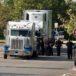 Mueren 10 inmigrantes encerrados en furgón en Texas