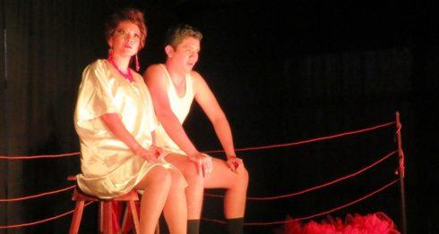Escena de la tragicomedia Dos de amor, actúan Reyna Gutiérrez y Norvin Guevara. LAPRENSA/Cortesía Rodrigo González