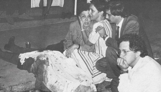 Documental proyecta en escena el cadáver del médico Héctor Abad Gómez, en un calle de Medellín, Colombia, en 1987.LAPRENSA/Carta a una Sombra.