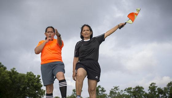 Las hermanas Elizabeth y Liseth Aguirre se convirtieron en las primeras mujeres árbitro central y árbitro de línea FIFA de Nicaragua. LAPRENSA / ÓSCAR NAVARRETE