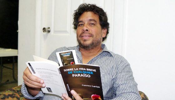 Sobre la vida breve de cualquier paraíso, nuevo poemario de Francisco Larios sobre el poder y sus falsedades. LAPRENSA/Arnulfo Agüero