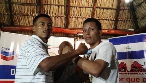 Marcio Soza y Robin Zamora en el cara a cara para promocionar el combate. Foto: Bayron Saavedra