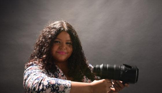 La periodista y realizadora Virginia Paguaga López, directora de Videopoética, un proyecto audiovisual que reúne 18 videopemas de 35 integrantes de Centroamérica. LAPRENSA/Uriel Molina