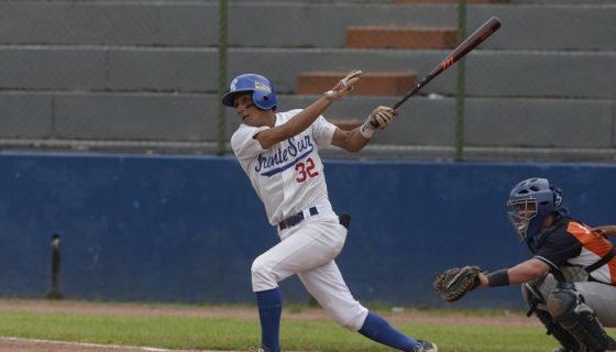 Bryan Ruiz dio hit de dos carreras para apuntarse juego decidido en el triunfo del Frente Sur Rivas. LA PRENSA/CARLOS VALLE