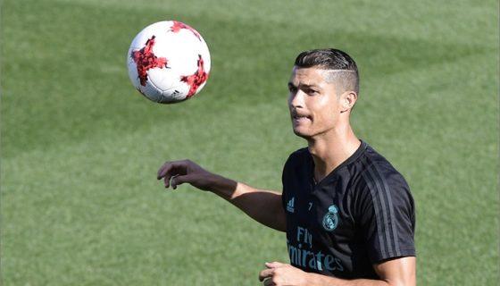 De inicio, Cristiano Ronaldo luce como favorito a ganar el premio The Best de la FIFA. LA PRENSA/AFP/JAVIER SORIANO