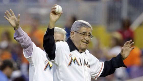 """Rafael """"Felo"""" Ramírez falleció la noche de este lunes a los 94 años de edad, después de ser la voz en las transmisiones de radio en español de los Marlins de Miami por tres décadas. LA PRENSA/AP/Lynne Sladky"""