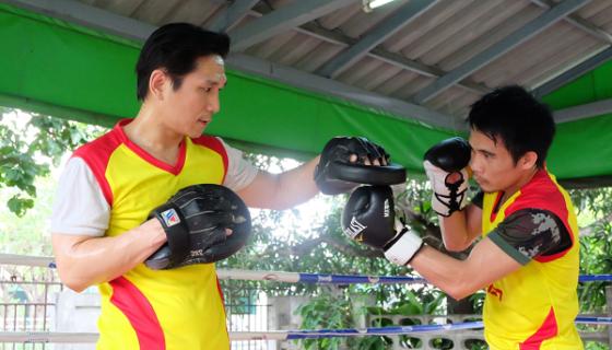 Srisaket Sor Rungvisai entrenando en la provincia de Nonthaburi. Foto: Bectero TV/ Cortesía