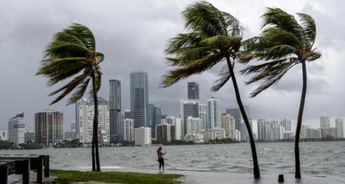 6.3 millones de personas recibieron la instrucción de evacuación por el huracán Irma, que tocará Miami esta noche. LA PRENSA/EFE/Giorgio
