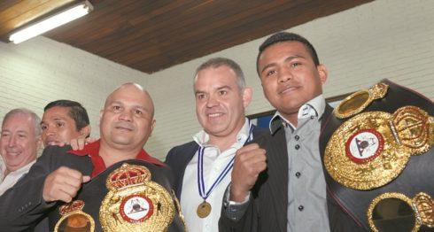Gilberto Mendoza, junto a Rosendo Álvarez y Román González en una visita a Managua. LA PRENSA/URIEL MOLINA