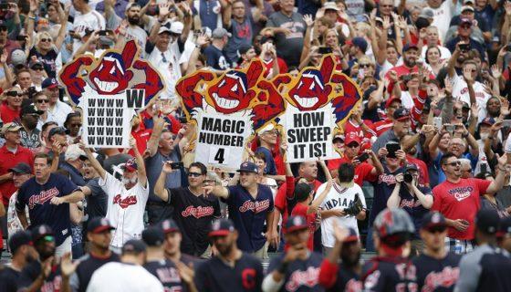 Los Indios de Cleveland llevan 21 victorias al hilo, récord de la Liga Americana, y atacan la marca de Grandes Ligas que es de 26. LA PRENSA/AP/Ron Schwane