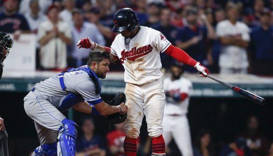 Los Royals de Kansas City se encargaron de ponerle fin a la racha de victorias de los Indios de Cleveland. LA PRENSA/Ron Schwane/Getty Images/AFP