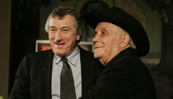 "Robert De Niro junto a Jake LaMotta, a quien interpretó en el película biográfica ""Raging Bull"". LA PRENSA/AP/Julie Jacobson/ARCHIVO"