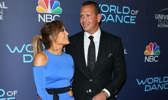 Jennifer López junto a Alex Rodríguez. FOTO: LA PRENSA/ AFP